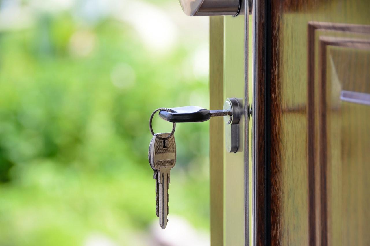Na co zwrócić uwagę przy zakupie drzwi wejściowych?
