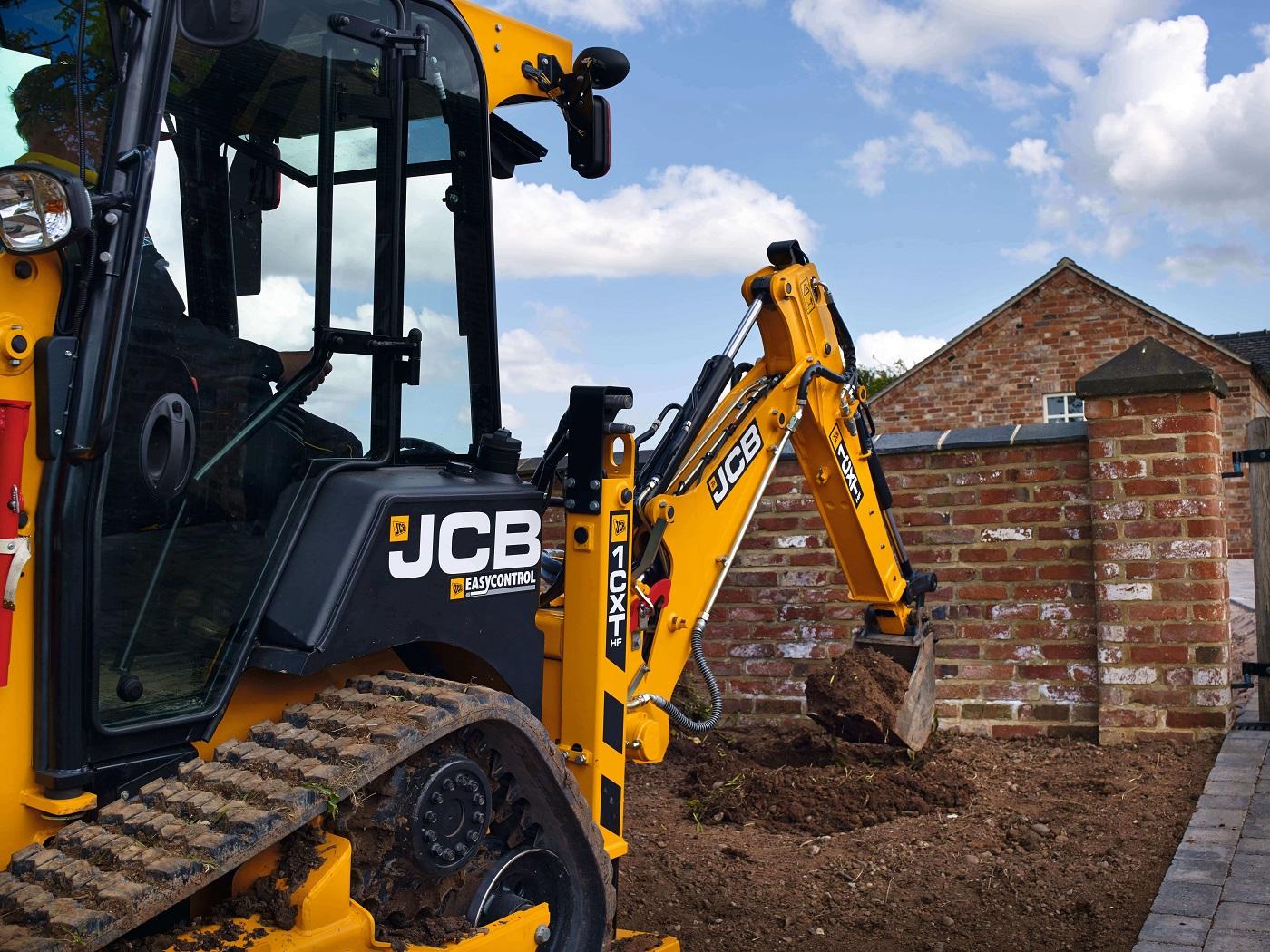 Przygotowanie terenu budowy z koparko-ładowarką JCB